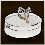 Zilveren mini urn Dog small. Er zijn meer 400 hondenrassen verkrijgbaar. Andere dieren op aanvraag./ nr. 505 S 11mm breed €225,-