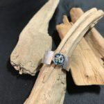 Zilveren ring met asverwerking en vingerafdrukken